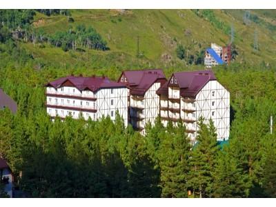 Отель Снежный барс Чегет   Территория , внешний вид